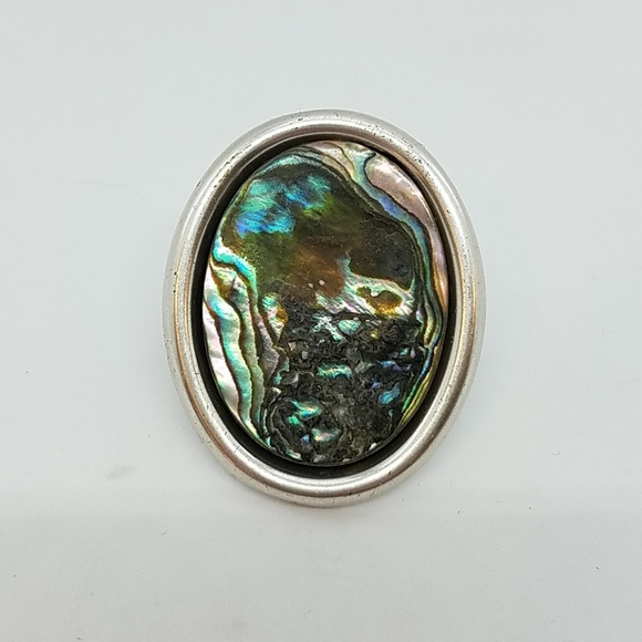 GASOLINE GLAMOUR Jewelry - Faux shell cocktail ring sample